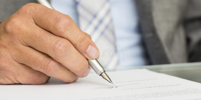 biaya pembuatan akta notaris perusahaan - Ini Penjelasan Biaya Pembuatan Akta Notaris Perusahaan - es.dreamstime.com