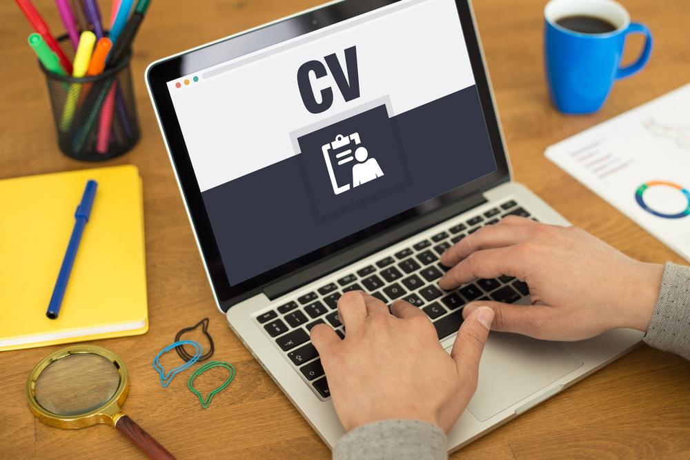 Menagpa Lebih Baik Memilih CV? - 3 Keuntungan Menggunakan Jasa Buat CV - beritagar.id