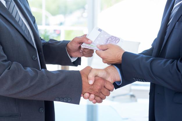 Mempermudah Transaksi - Berapakah Biaya Pembuatan CV di Notaris? - freepik.com